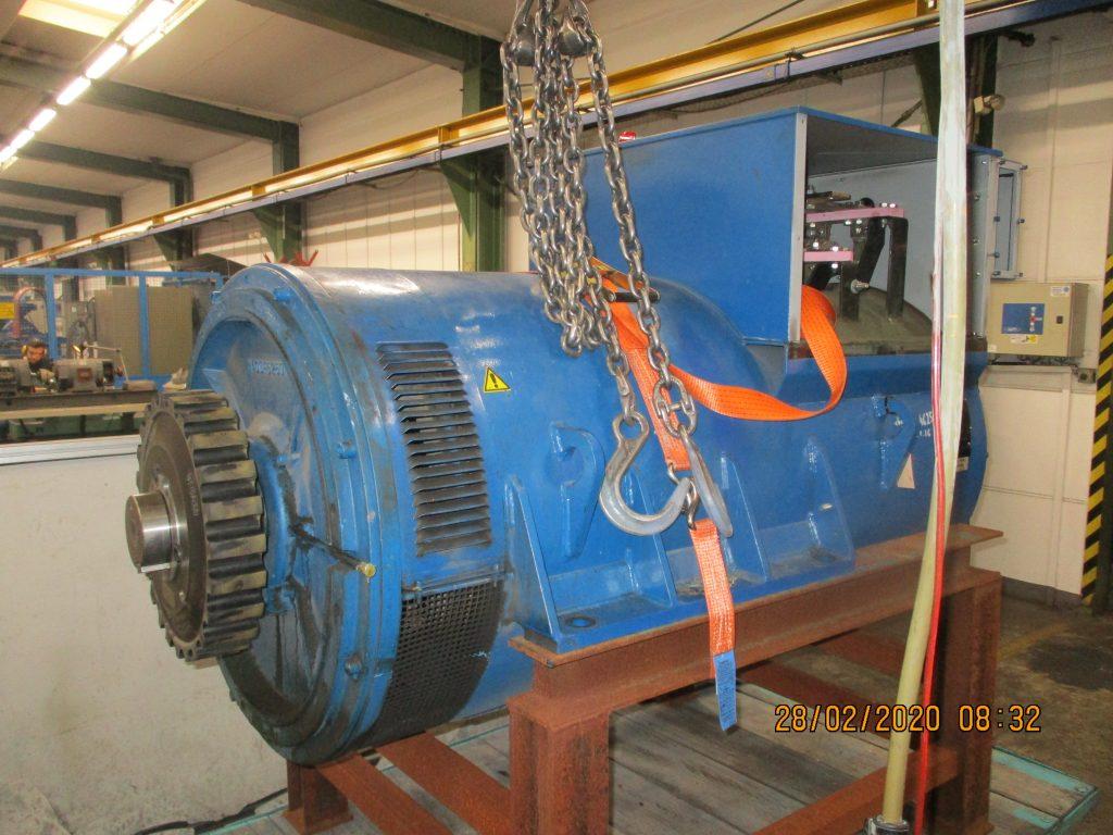 Revision eines Marelli Generators Typ MBJ 400 LA4 B24 aus einem Blockheizkraftwerk (BHKW), hier vor der Instandsetzung / Reparatur